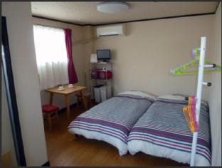 Apartment Room R. Seis